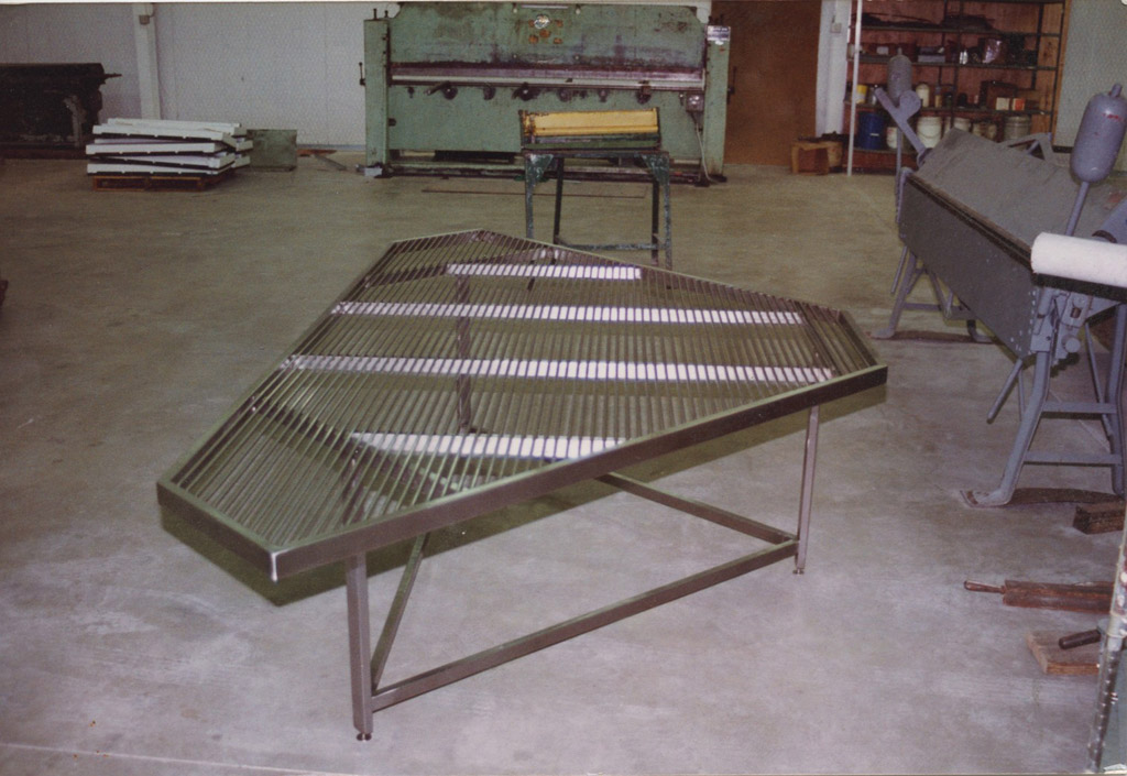 Cleanroom Table | A cleanroom table that was fabricated for use in a cleanroom.